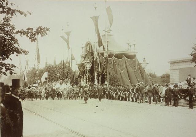 Kinderhuldigungs-Festzug, Wien, 24.6.1898, Foto: Rudolf Müller, ÖNB Bildarchiv und Grafiksammlung