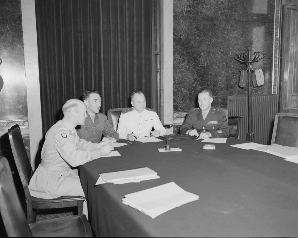 """Angesichts des beginnenden """"Kalten Kriegs"""" war die Einrichtung einer Alliierten-Kommandantur, in der Wien verwaltet wurde, eine wichtige gemeinsame Leistung der Besatzungsmächte."""