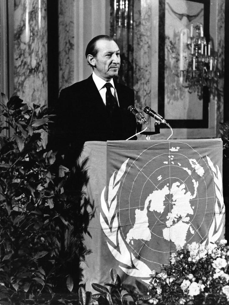 UN-Generalsekretär Kurt Waldheim am Rednerpult