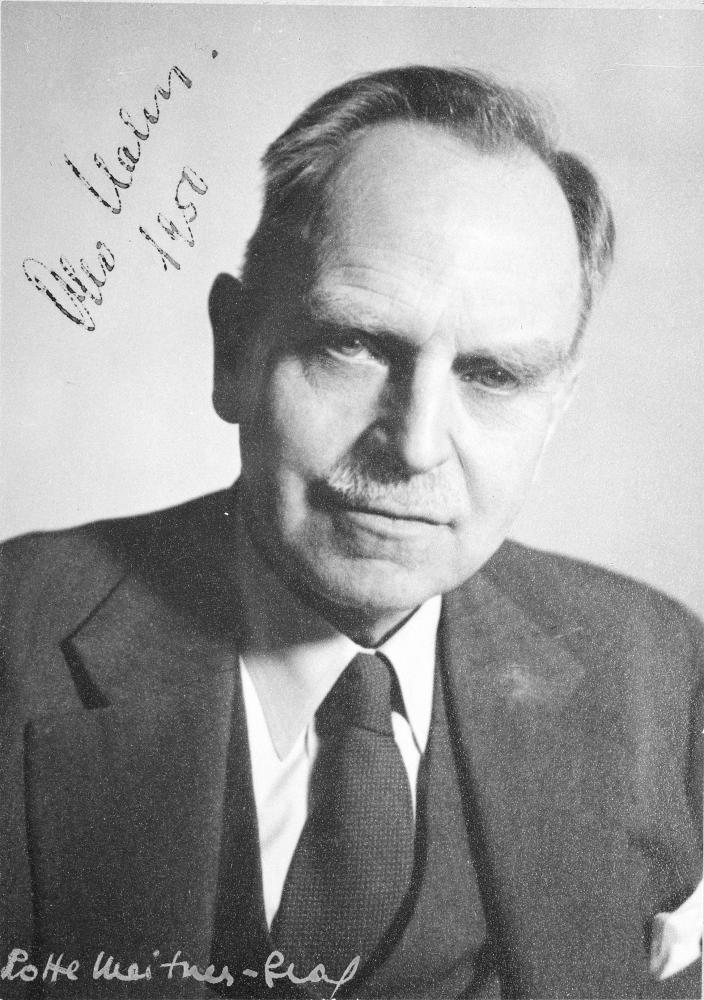 Portrait des Chemikers Otto Hahn für eine Autogrammkarte, fotografiert von Lise Meitners Schwägerin,